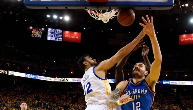 Curry y Warriors superan 40 puntos de Durant y evitan eliminación