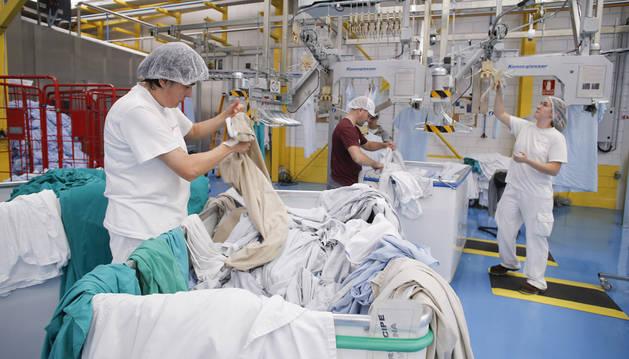 Tasuclean es la división industrial de lavandería de Tasubinsa