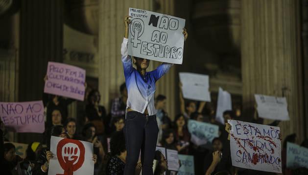 El autor del vídeo de violación colectiva en Brasil declara ante las autoridades