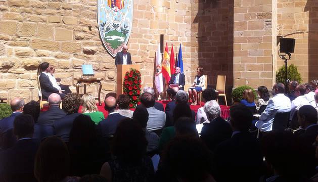 Ignacio Aranguren recibe el Premio Príncipe de Viana 2016