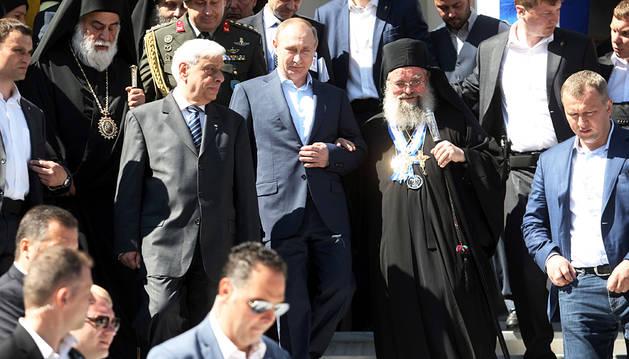 Putin finaliza su viaje a Grecia subiendo al Monte Athos