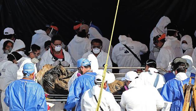 Recuperados 45 cadáveres durante la exhumación de unas fosas en México
