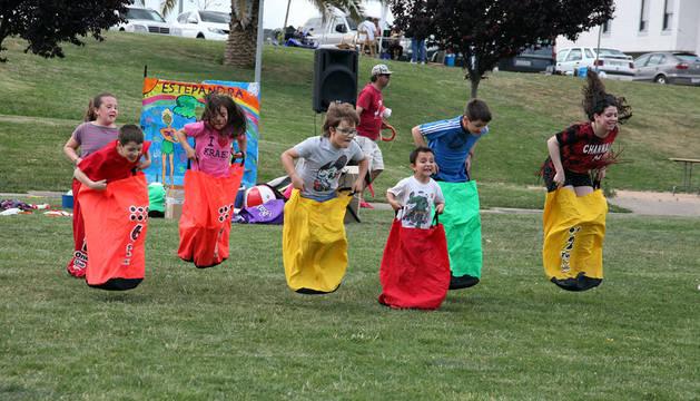 Los centros cívicos salen a la calle y celebran actividades en el parque del Queiles