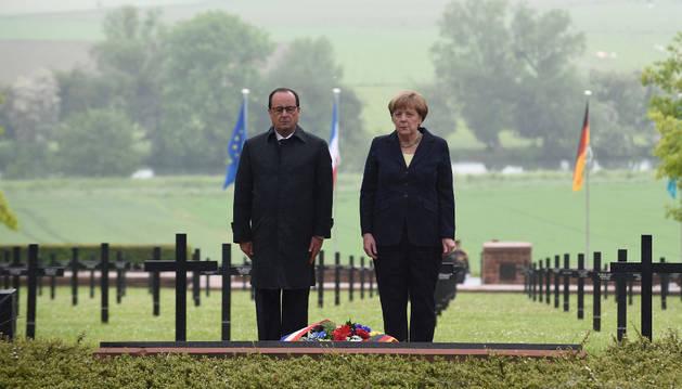 Merkel y Hollande recuerdan juntos el primer centenario de la Batalla de Verdún