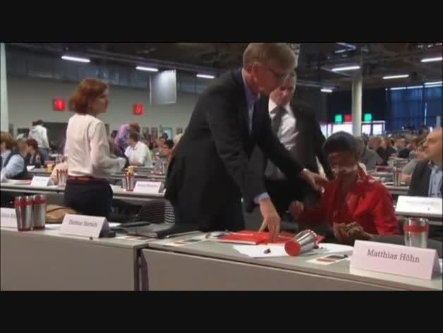 Tartazo a la portavoz parlamentaria del Die Linke por poner límite a la acogida de refugiados
