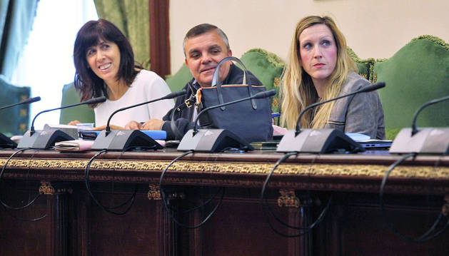 Los tres concejales socialistas durante la comisión de Asuntos Ciudadanos de ayer.