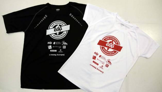 Camisetas que, junto a medalla y bolsa del corredor, repartirá la cita.