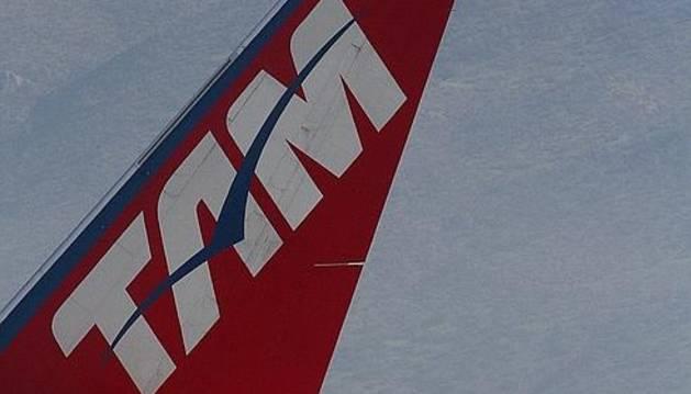 Dos aviones pertenecientes a las aerolíneas Tam y Lan, tras la fusión y creación de Latam.