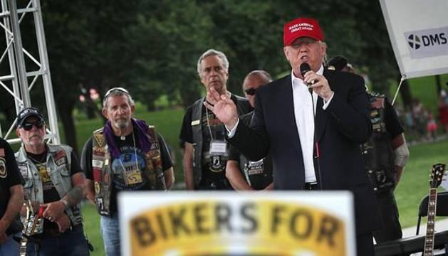Donald Trump, durante su discurso ante un grupo de veteranos de guerra moteros.