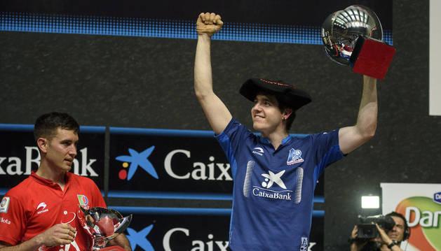 Irribarria celebra su victoria en el Manomanista el pasado domingo.