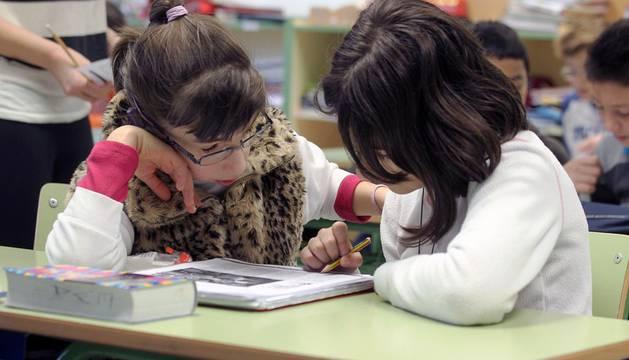 Dos alumnos del CP Doña Mayor de Navarra.