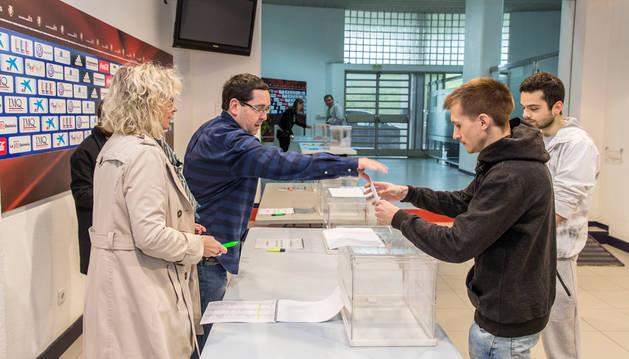 919 socios votaron en las elecciones a compromisarios