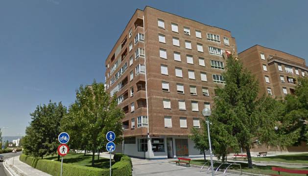 El Gobierno de Navarra subasta un piso de cinco dormitorios en Alfonso el Batallador, Pamplona