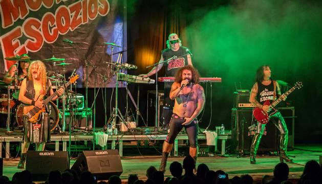 Los Mojinos Escozíos, concierto principal de las fiestas de Santa Ana