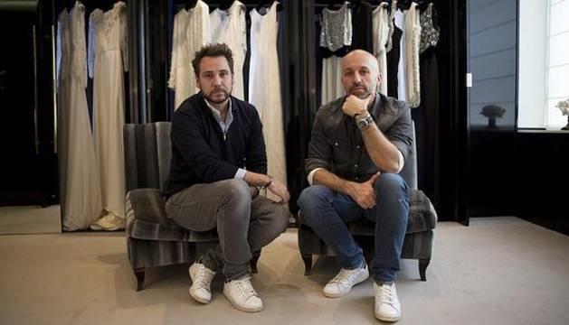 Álvaro Castejón y Arnaud Millard en su tienda.