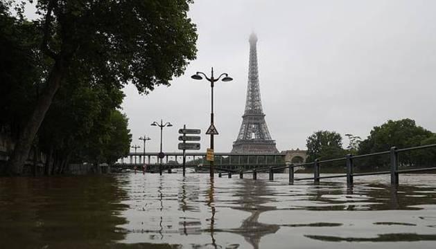 El río Sena, desbordado.