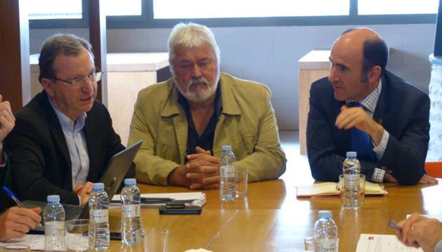 La reunión ha estado presidida por Vicente Bru, consejero de Pirineos Atlánticos, y el vicepresidente Ayerdi.