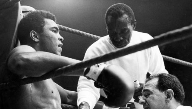 Muere a los 74 años Muhammad Ali, legendario excampeón de peso pesado
