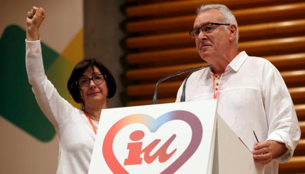 Cayo Lara y esposa, Juana Quiralte, en la Asamblea Federal de IU.