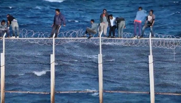 Nuevo asalto masivo a la valla de Ceuta