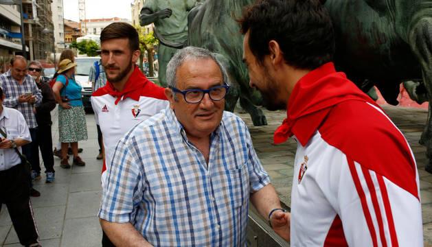 Sabalza charla con De las Cuevas en Carlos III.