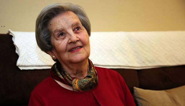 """Marisol Magallón Ripalda, de 76 años, sufrió dos derrames cerebrales y acude tres veces por semana a Adacen. """"Estoy deseando ir"""", dice."""