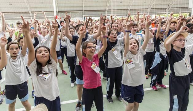 400 escolares y miembros de entidades sociales participaron este martes en la fiesta de las instalaciones de la Ciudad Deportiva Amaya.
