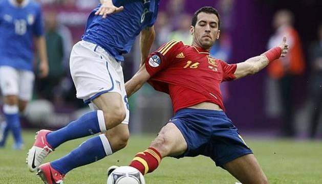 Busquets, durante un partido con la selección española.