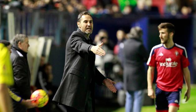 Vicente Moreno, entrenador del Nástic.