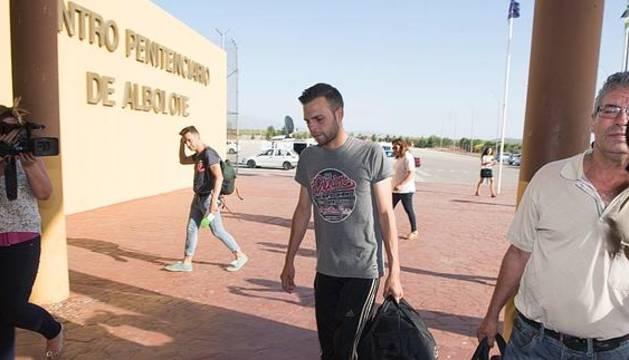 Alejandro Fernández, a su llegada al centro penitenciario.
