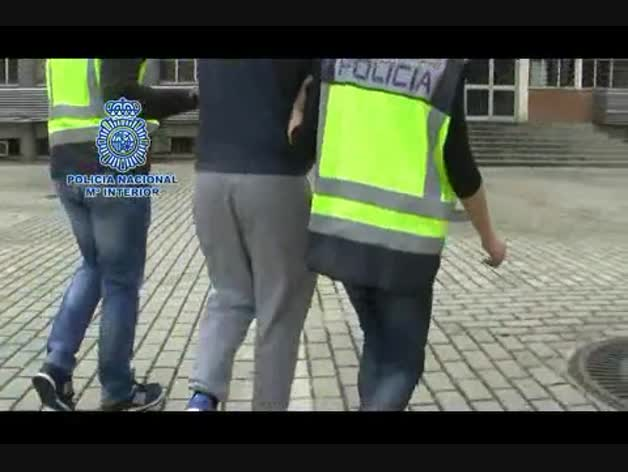 Detenido por subir vídeos en Periscope mientras conducía a casi 200 km/h