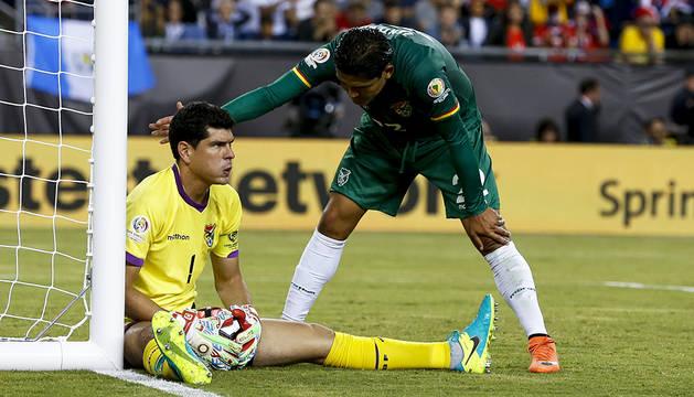 Chile respira de penalti en el minuto 100