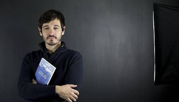 El escritor Santiago Velázquez.
