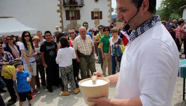 3.000 personas disfrutan del sabor de la cuajada de Larrainzar