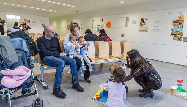 Sala de espera del centro de salud de Sarriguren.