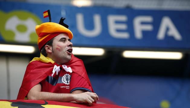 Aficionados españoles en el Estadio Municipal de Toulouse para ver el partido de la selección en la Eurocopa de Fútbol de Francia 2016