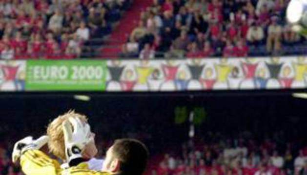 Molina, durante un partido con la selección.