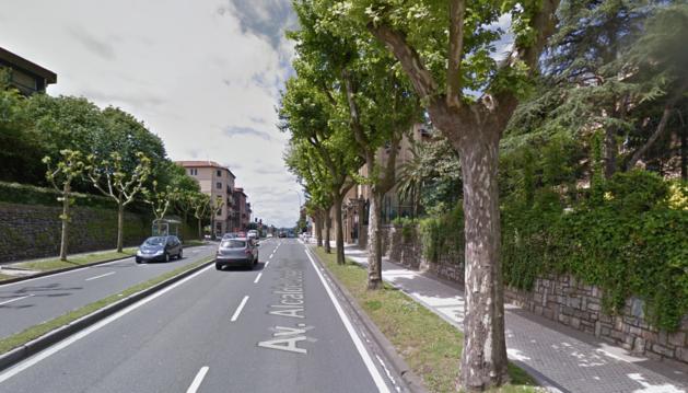 Fallece un motorista en San Sebastián tras sufrir una caída