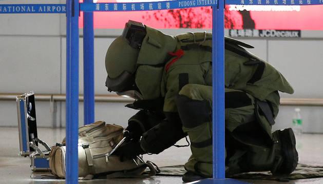El aeropuerto de Shanghái aumenta controles tras el ataque del domingo