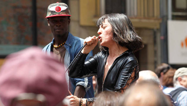 El Ayuntamiento contrata a la polémica 'La Chula Potra' en Sanfermines