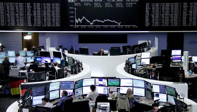 El interés del bono alemán a diez años cae al 0% por primera vez