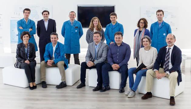 Responsables de la Universidad de Navarra y de Volkswagen Navarra que llevarán a cabo los proyectos