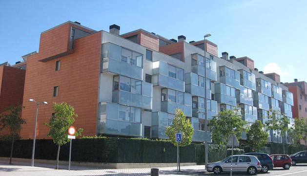 Un bloque de viviendas en Sarriguren.