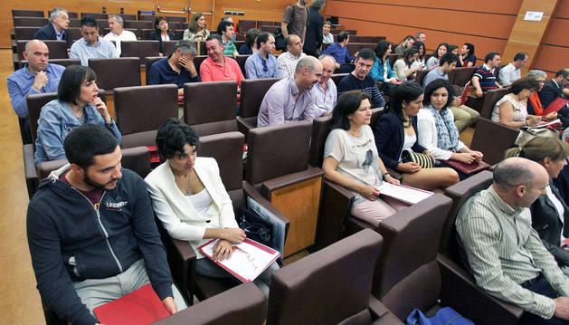 Imagen de bodegueros y técnicos asistentes ayer a las jornadas sobre vino en la sede de la CEN.