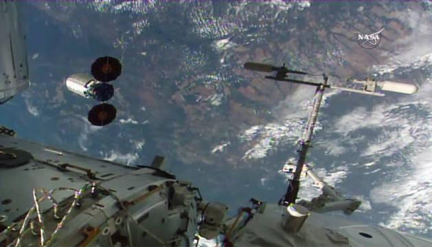 Imagen facilitada por la NASA de sus proyecto con fuego.