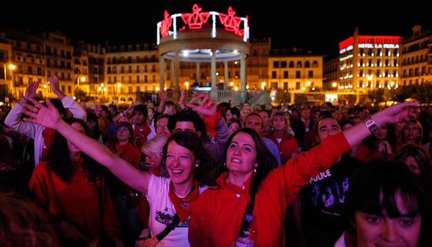 Una actuación en la Plaza del Castillo en San Fermín.