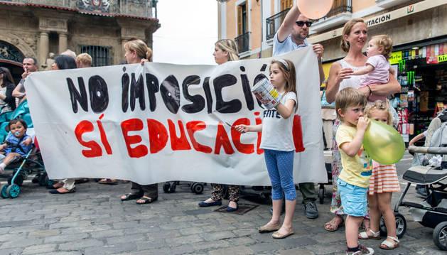 Imagen de la última protesta protagonizada por las familias afectadas por los cambios en las escuelas infantiles.