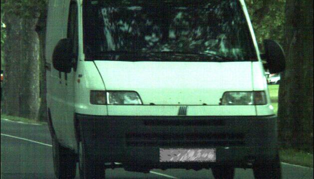 La Policía Municipal 'caza' a un conductor a 100 km/h en la carretera de la Universidad