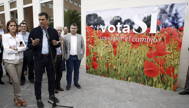 El secretario general del PSOE, Pedro Sánchez, ha asegurado este viernes en Pamplona, en un acto electoral celebrado en el Complejo Hospitalario de Navarra, que tiene
