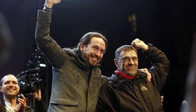 El líder de Podemos, Pablo Iglesias, junto a Juan Carlos Monedero.